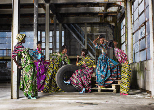 High Fashion with African Textiles! Love Love Love! fabafricanblack:  Vlisco Funky Grooves
