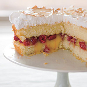 Daily Bite: Use lemon curd and fresh raspberries to dress up vanilla cake! Raspberry-Lemon Meringue Cake