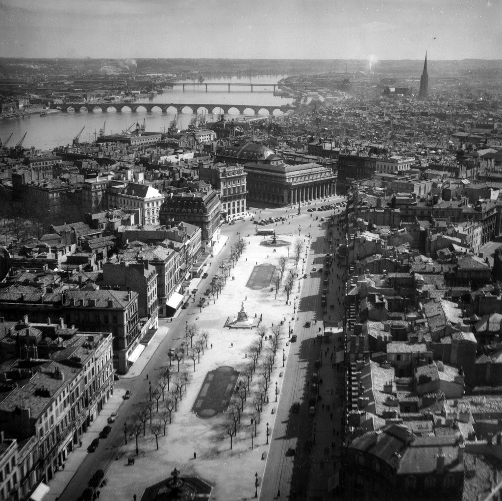 Aerial view of Bordeaux