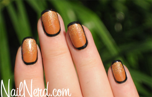 Sparkly rimjob nails from China Glaze On Safari Collection