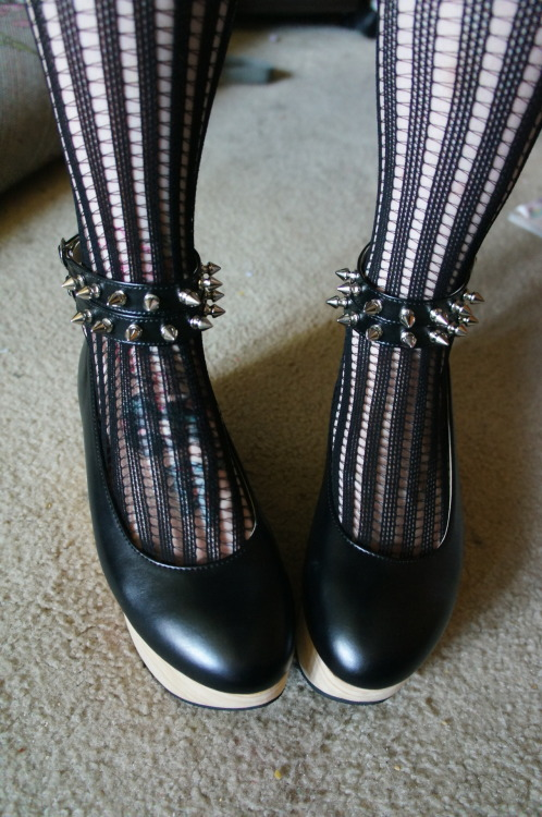 pastel-goth-princess:  luvdiscc:  kekeke new shoes <3  ❤