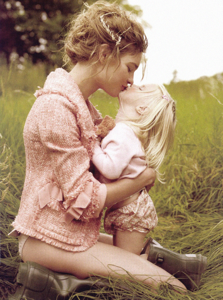 "lavandula:  natalia vodianova with her two year old daughter, neva, photographed by mario testino for american vogue  ""A picture I would love to take with my daughter """