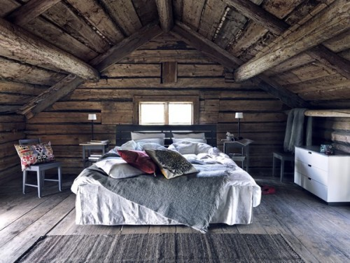 wouldn't this be a lovely place to wake up in every morning?  [via: emma's blog]