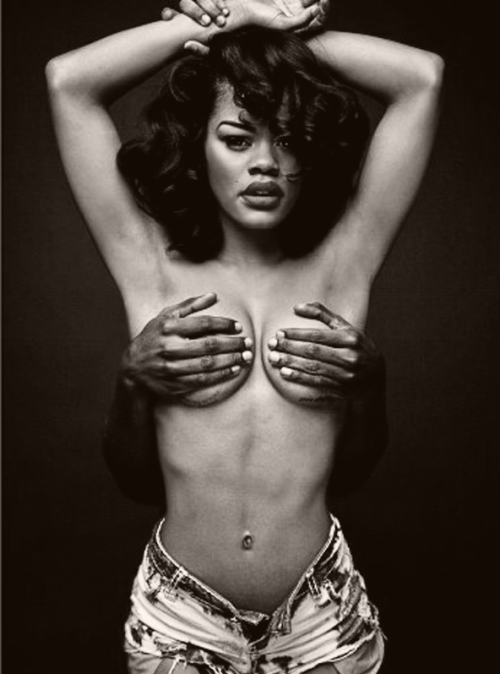 "fortheloveofvictoryrolls:  fuckyeahfamousblackgirls:  Teyana Taylor recreates Janet Jackson ""Rolling Stone"" cover  not bad   Her ribcage is bothering me…"