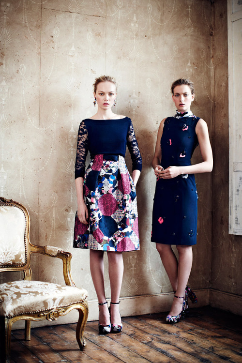 Erdem Resort 2013 Collection: The paisley prints,lace florals, prints and appliqués; all eclectically mixed with beautifully bright vivid pink and the subdued and classy navy blue to create a look that shouts elegant flamboyance that's very subtle and chic. The clean cut figure hugging silhouettes give the whole look a modern feel. I am just in love with this collection (as you can tell!)