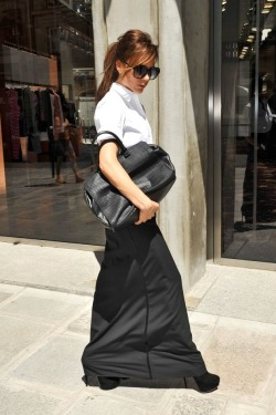 Victoria shopping at Balenciaga store in Paris, 23.07.12