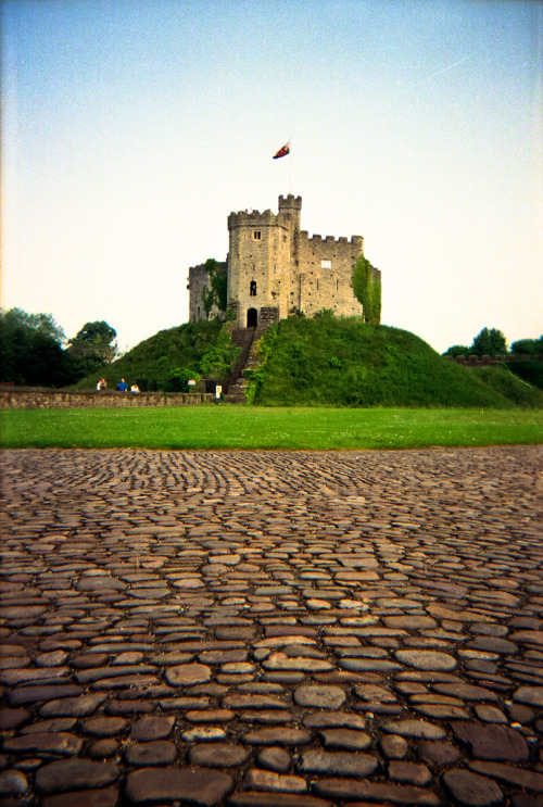 plane-ticket:  Cardiff Castle   Been here!