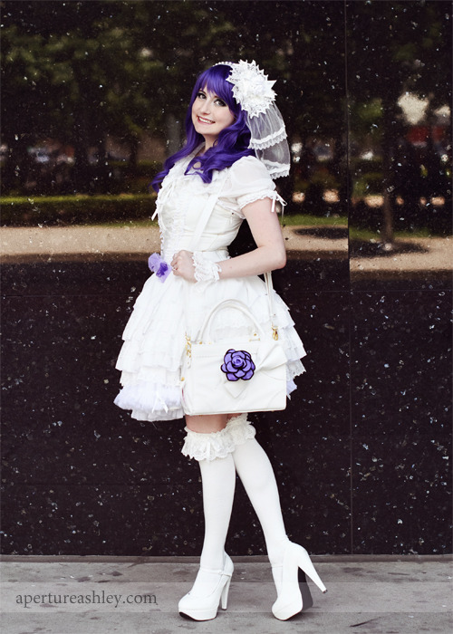 fuckyeahrarity:   My lolita interpretation of Rarity!  Submitted by corfina.  sweet lord help me