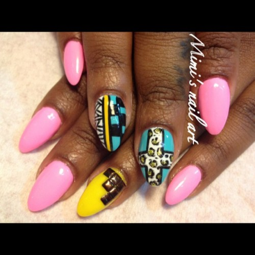#nails #naildesigns #nailart #nailartclub #nailartheaven #nailartoohlala #Studs #cross #tribal  (Taken with Instagram)