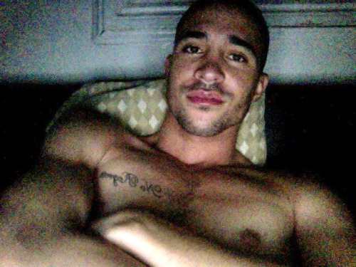 liveloveswagg:  Late Night boredom