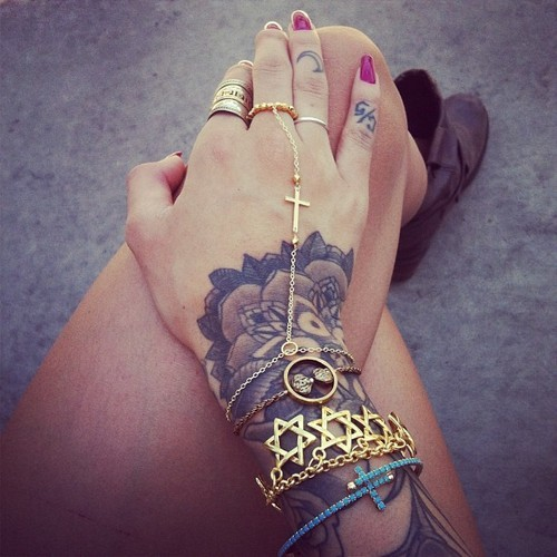 candyapplelocks:  Boho chic.