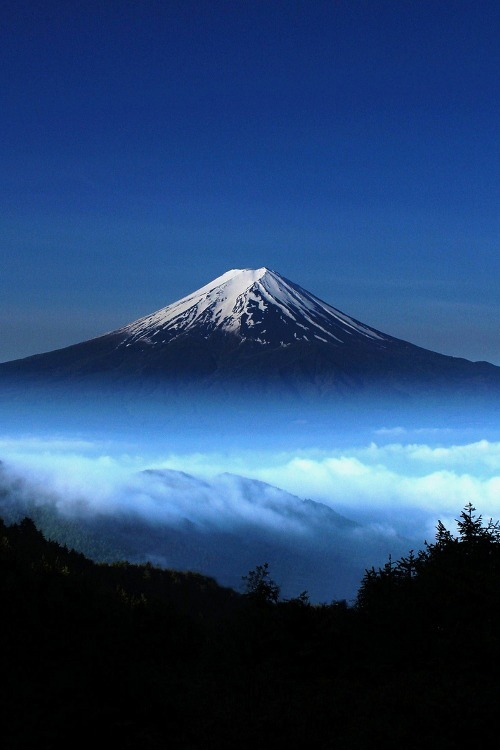 keepcalmandlovemyblog:  dunyayigezelim:  Mount Fuji, Japan  TumbleOn)