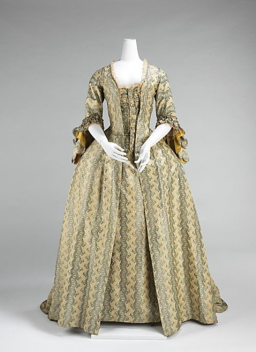 Robe à la Française 1760-1770 The Metropolitan Museum of Art