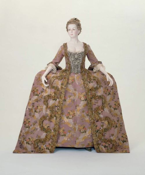 Robe à la Française 1775 The Museum of Fine Arts, Boston