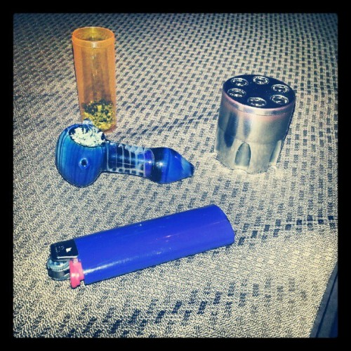 #smoke #grinder #bowl #lighter #blue  (Taken with Instagram)