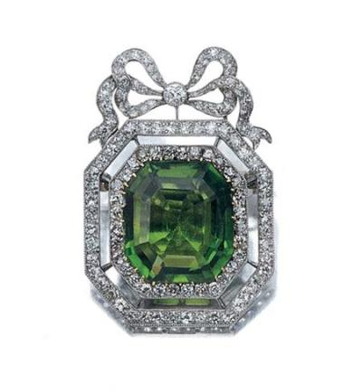 Brooch c. 1910, Doyle Auctions (via omgthatdress)