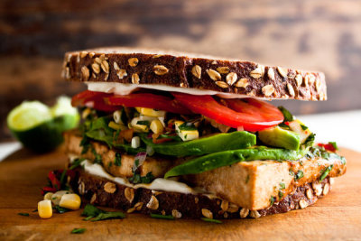 Tofu sandwich with tomatoes and avocado: healthy and yummy! Recipe