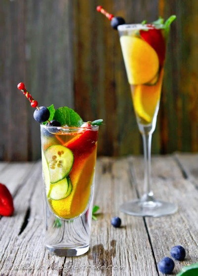 Pimms ginger fruit drink