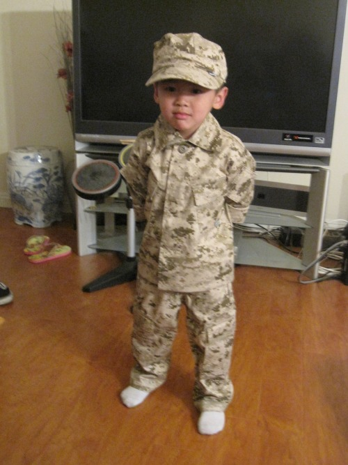 tytheleguid:  Lil bro wants to be in the army…….He's only 5.  My godson