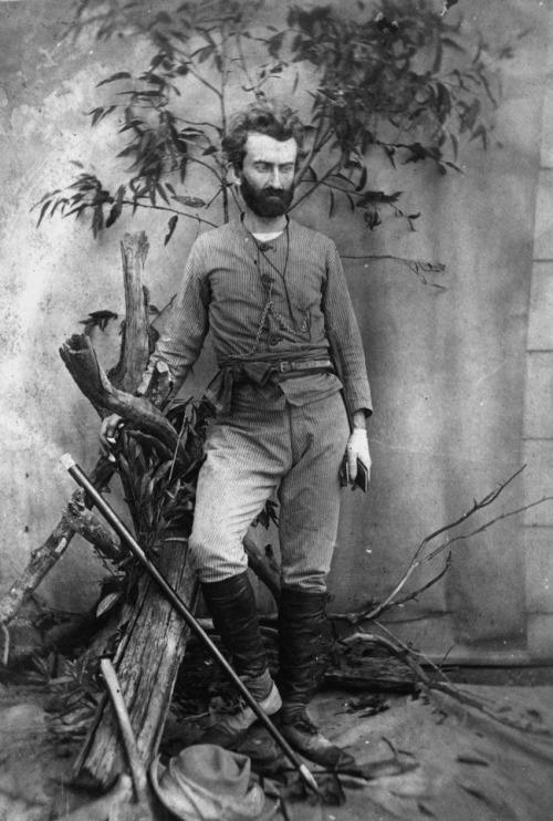 zolotoivek:  Portrait of the explorer and anthropologist Nikolai Miklukho-Maklai, taken in Queensland, Australia, 1880.