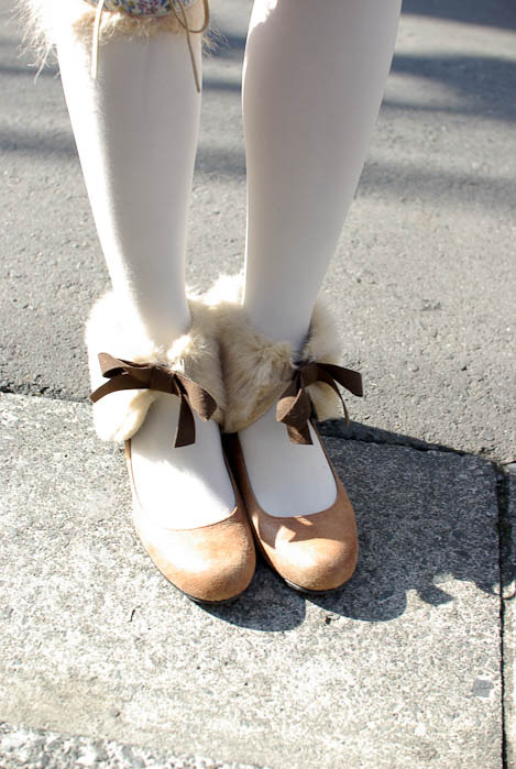 Ankles,Brown,Cuff,Fashion,Fur,Mori,White,Shoes,Tights,Ribbon,