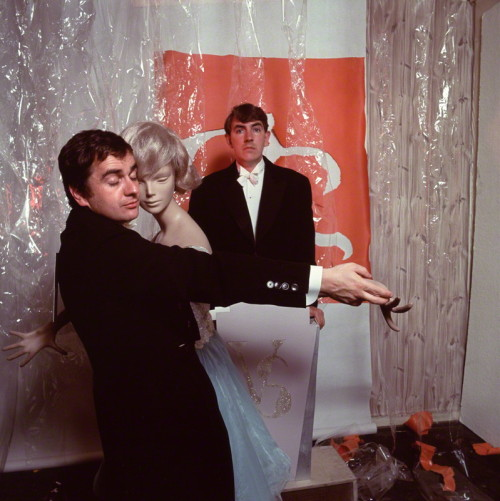 theswinginsixties:  Dudley Moore and Peter Cook
