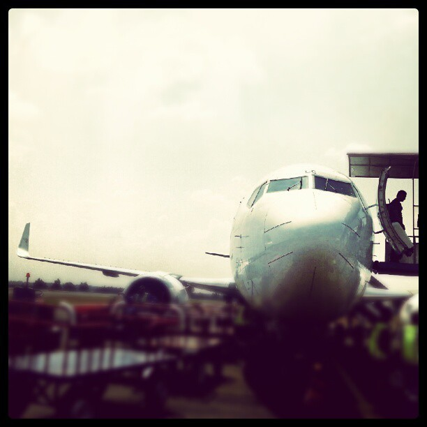 Landing!! #aviation #aeroplane #instagram #lampung #iseng  (Taken with Instagram)