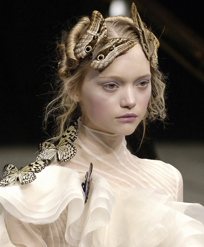 Gemma Ward at Alexander McQueen Autumn/Winter 2006