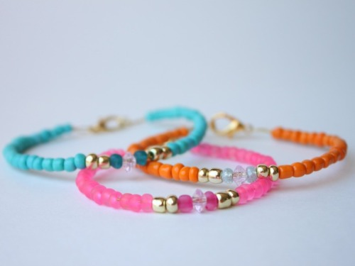 DIY Easy Glass Bead Bracelets Tutorial from Delighted Momma here. This is the perfect tutorial for introducing a child to beading because the tutorial clearly demonstrates how to use a crimp beads, jump rings, and how to attach a clasp.