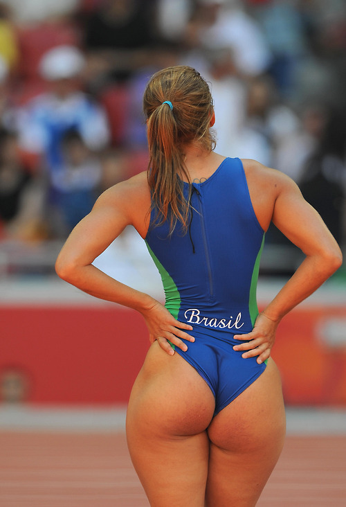 nalgotass:  Team Brasil, why am I not surprised?  por eso quiero una brasilena