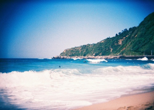 San Sebastian's waves