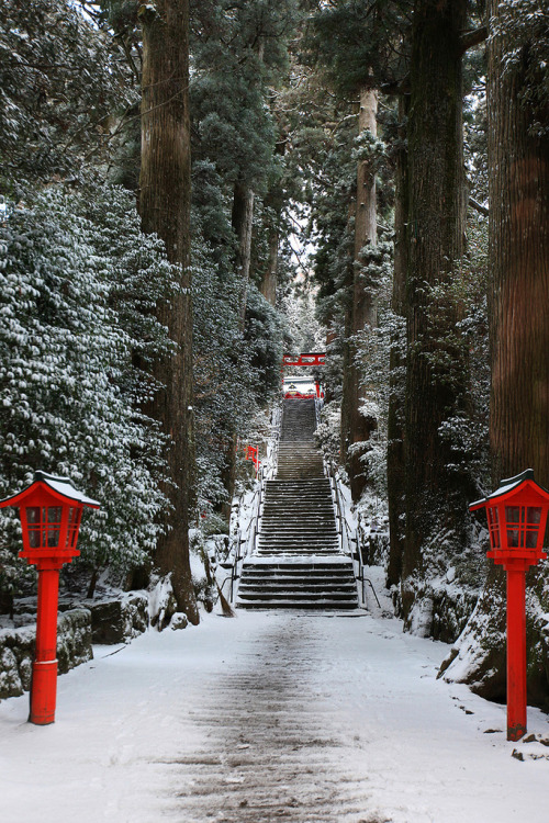-cityoflove:  Hakone, Japan via sunuq