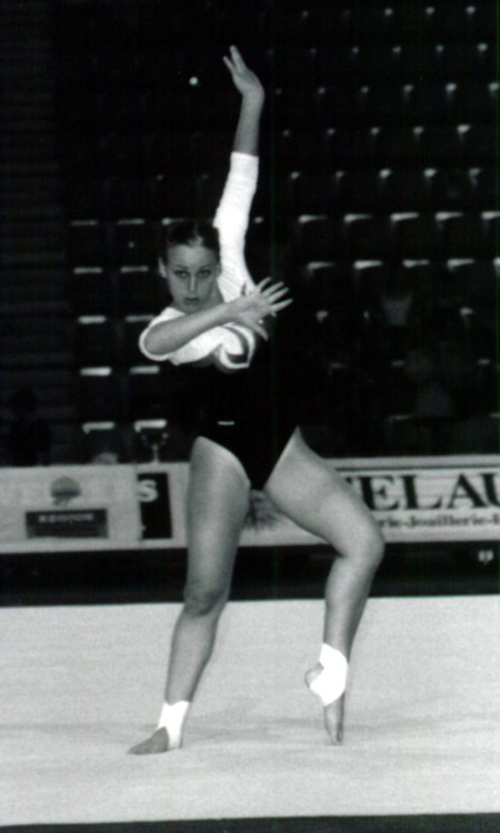 In the Olympics spirit, this is a photo of me in my Gymnastics days, I was 16.
