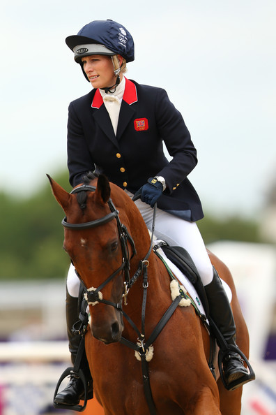 electro-tech:     OLYMPICS EQUESTRIAN 2012: When Zara Philips speaks in interviews she doesn't really sound or come across in the way you'd expect the granddaughter of the Queen to, but I say that in a good way.  LET US CHEER FOR ZARA :D