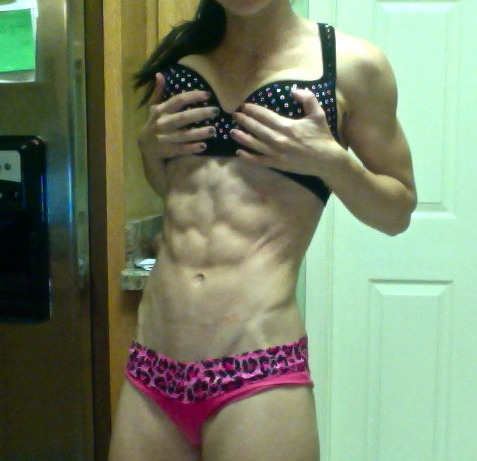 muscularvixens:  powerrprincess:  I think my abs are getting more intense. Clearly, matching my bra and underwear is one of my many talents.   Highlight abs of the week!