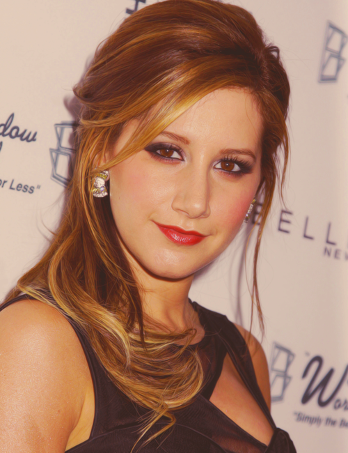 »50 perfect pictures - Ashley Tisdale