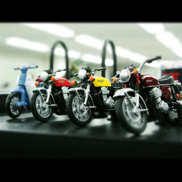 CB400Four ,CB750Four and Super Cub #motorcycle#miniature#model#CB#400#750#Four#SuperCub#HONDA (Instagramで撮影)