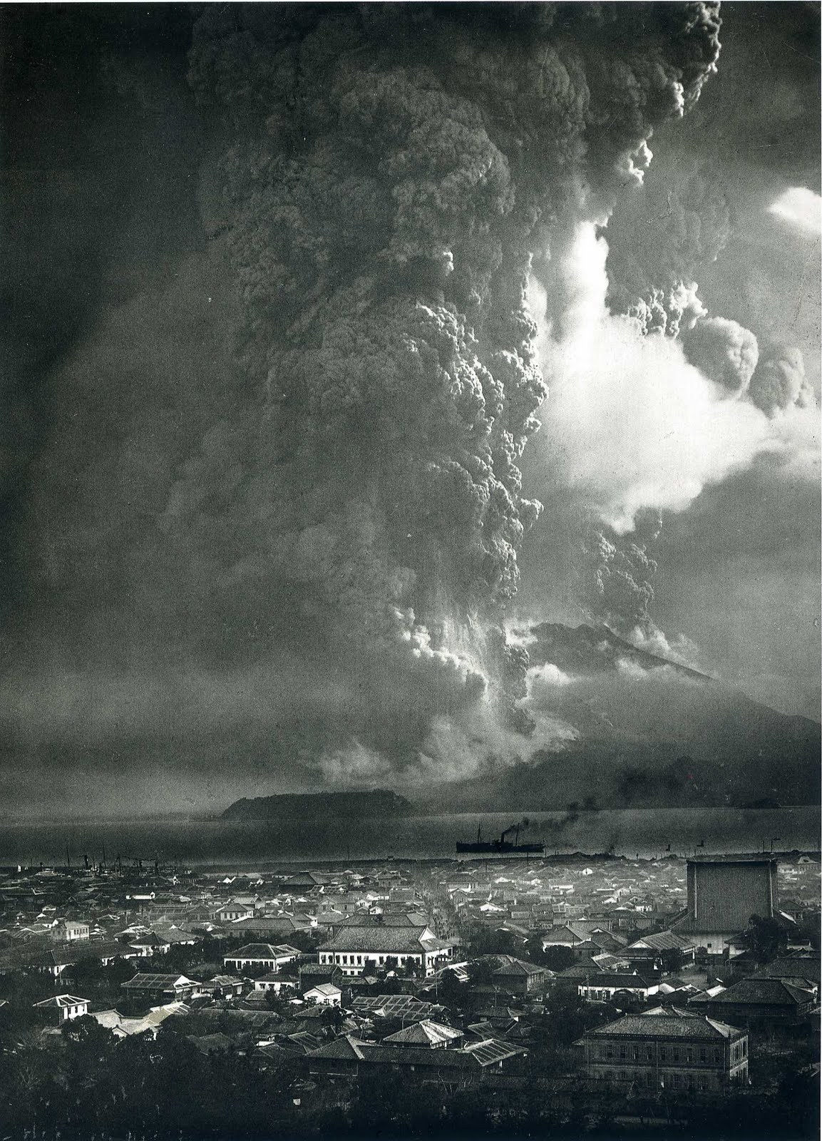 The eruption of Mt. Sakurajima, 1914