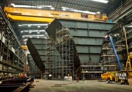 Ever wondered how they build Aircraft Carriers, photographer Anthony Dickenson takes a look.   Click here to view more pics in Anthony's portfolio.