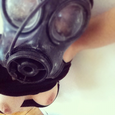 e414:  Me. Being horny in a gasmask. Huerchen