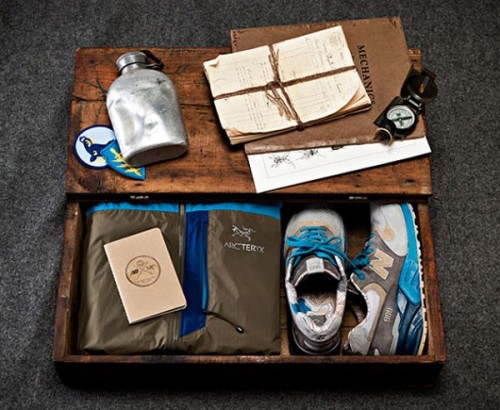 "Concepts x New Balance 999 - S.E.A.L. Concepts and New Balance coming together again after their Kennedy release.  using the 999 again these are inspired by Navy SEALs with the Blue/Grey/Brown tones. great looking suede and the lining is really cool with the map in the lining.  click here for more pics Related articles Concepts x New Balance 999 ""Seal"" - Release Info (sneakernews.com)"
