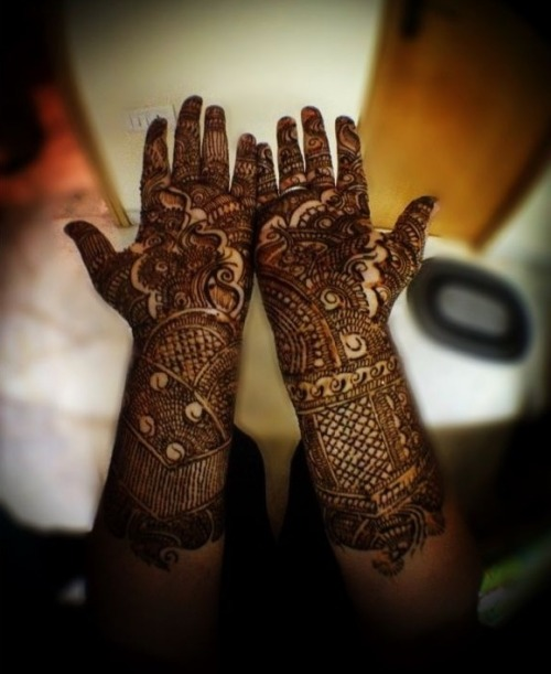 "One of my oldest friends is getting married and I got to put Mehndi (henna) on my hands today. The back of my hand is not done yet. I'll post pictures of that tomorrow when I get it done at the official Mehndi party.  (photo via instagram. Username: ""karishma"")"