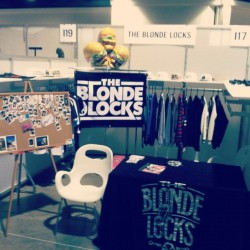 bridgetblonde:  WE READY. BOOTH I17 #theblondelocks #agendashow #agendatakeover @jocelynicole_ @deeesoto_pop @fotofetish @alyshanett (Taken with Instagram)
