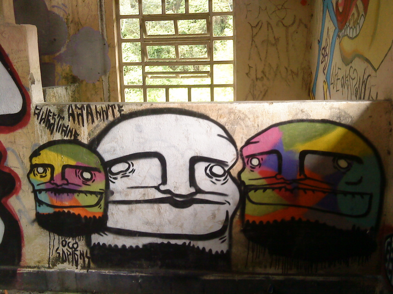 At Estrada da Sede, on an abandoned house in São Paulo  Don't forget to share on the comments how street art is in your city! :)