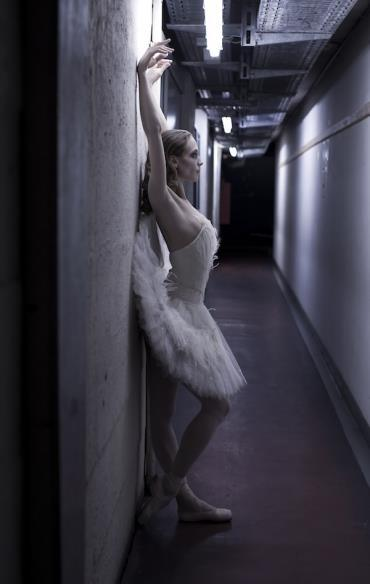 we-the-dancers:  Alicia Amatriain as Odette. (Photo by Sébastien Galtier)