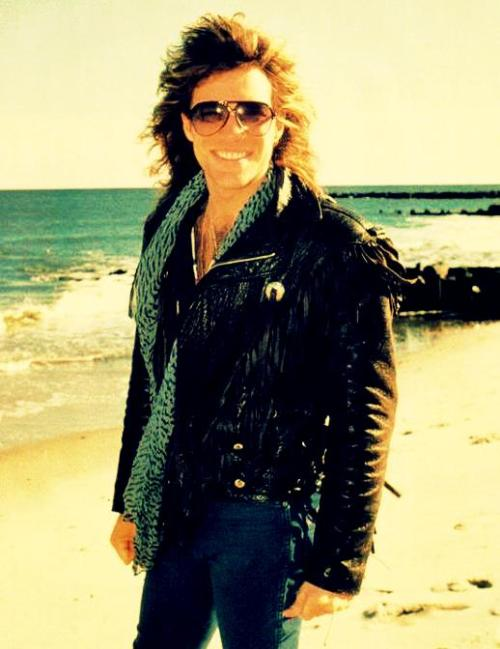 gu-nner-rocket-queen:  ♠ 24/200 Pictures of Jon Bon Jovi 80s.