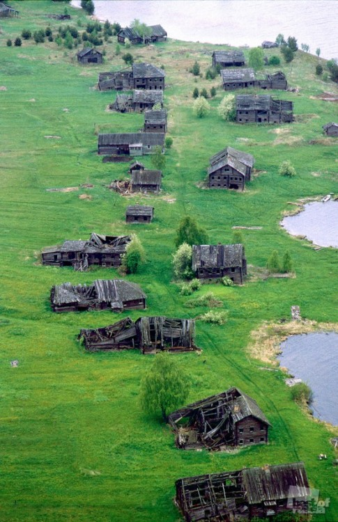 saucywhistles:  Abandoned village in Russia