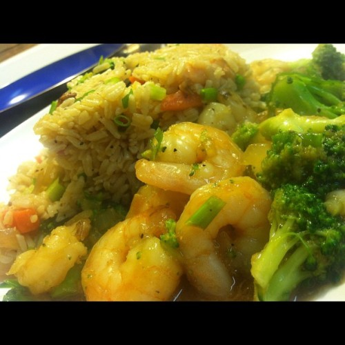 #shrimp feast tonight #shrimpfriedrice #shrimpandbroccoli #yummy #yum #love #chinesefood #foodporn  (Taken with Instagram at The Pussy Palace)