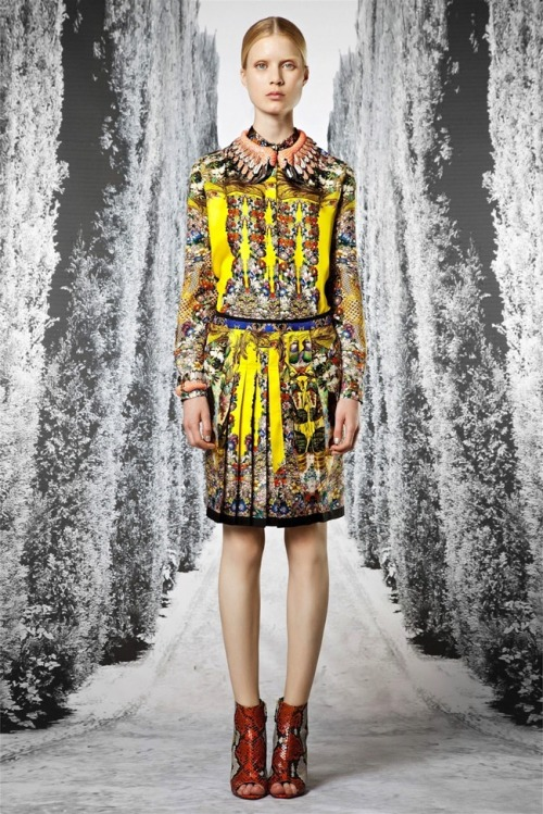 wanderworldwonderlust:  RESORT COLLECTIONS: ROBERTO CAVALLI RESORT 2013