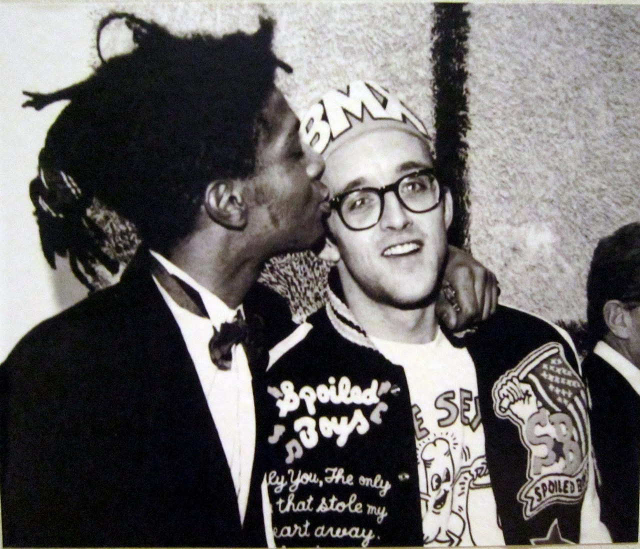 keith haring and my dad's younger self are the same person????? or keith haring/buddy holly??? or kieth haring and every white dude with glasses?